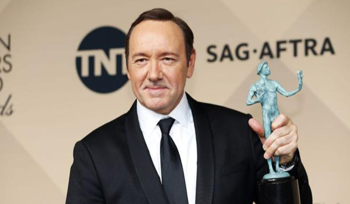 Kevin Spacey Alleged Sexual Assault Apology Is It Too Late www.HustleTV.tv