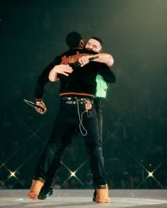HustleTV.tv BEEF SQUASH OFFICIALLY MEEK MILL & DRAKE PERFORM ON STAGE TOGETHER