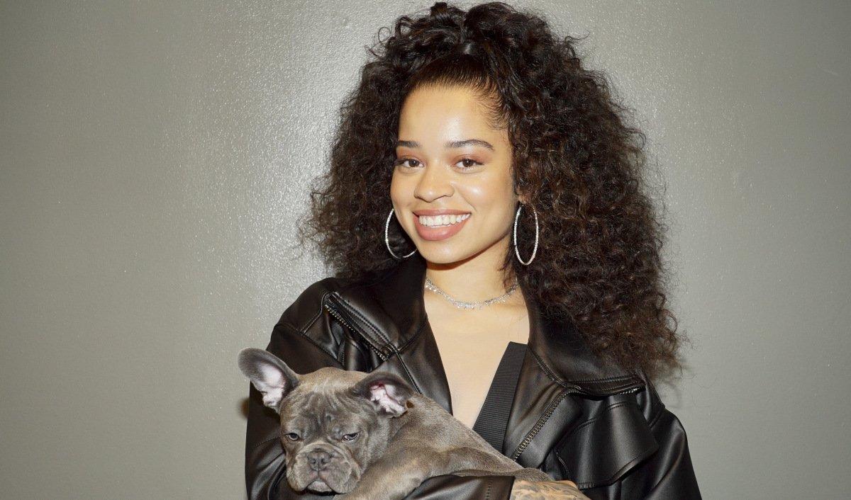 HustleTv.tv-Ella Mai Top Of the R&B/Hip-Hop Airplay Chart-DJHustle