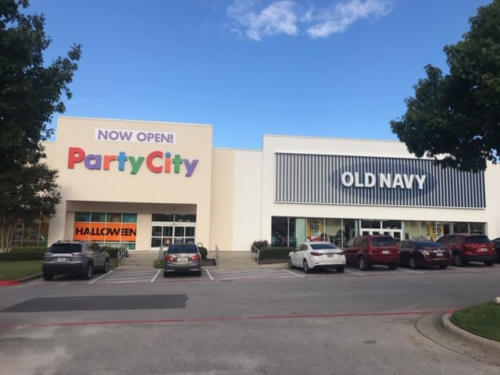 Retail Party City _ Old Navy exterior