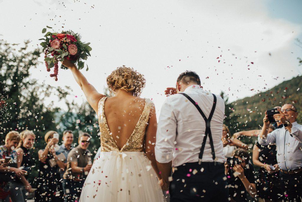 Wedding DJ Running Lists Every Bride Should Maintain at All Times www.HustleGrind.com Hustle DJ Hustle