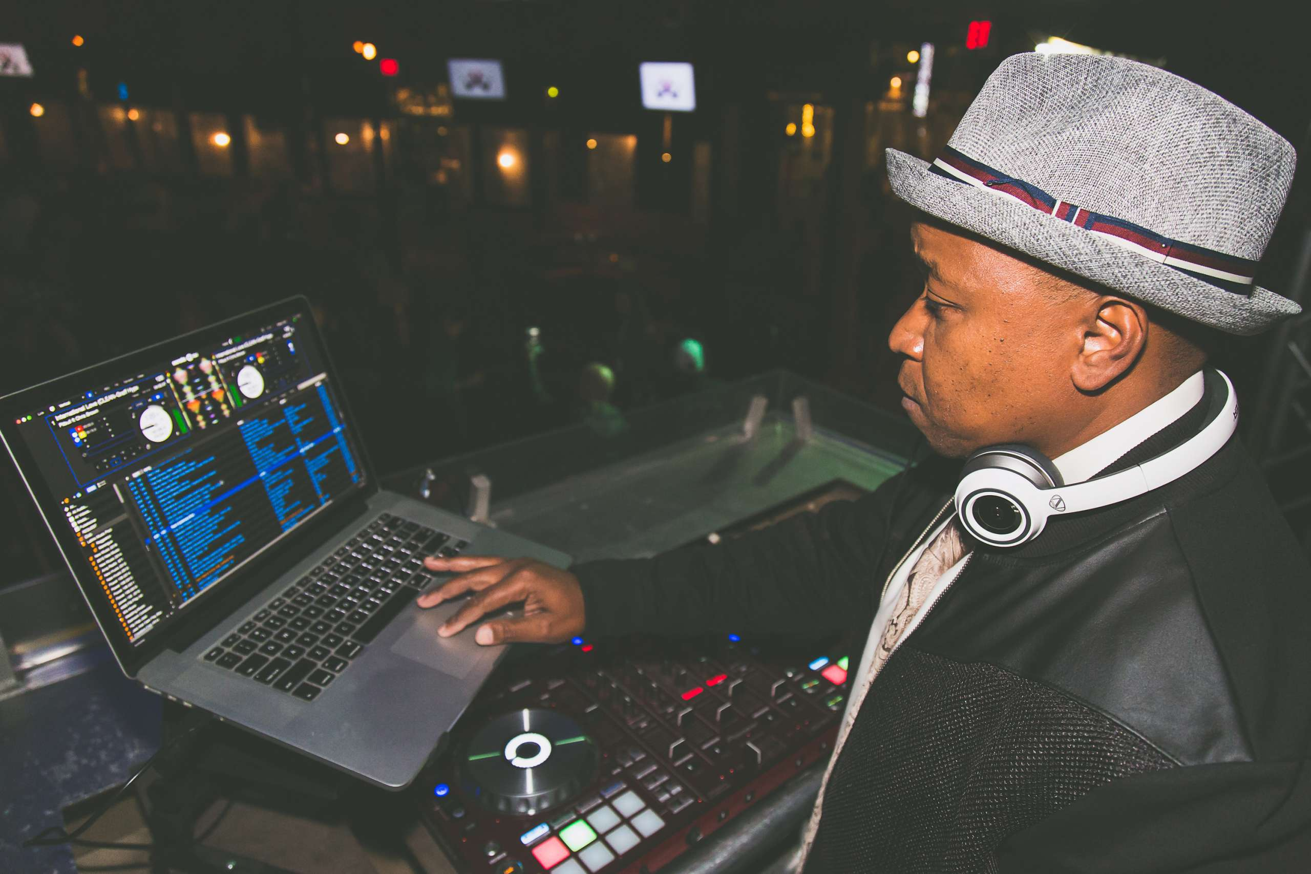 Tips On Booking The Perfect DJ Entertainment HustleGrind.com DJ Hustle