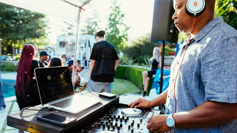 DJ Near Me