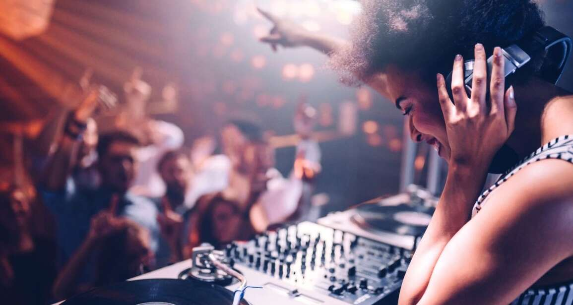 Best Party Songs DJ Newport Beach To Play At Events