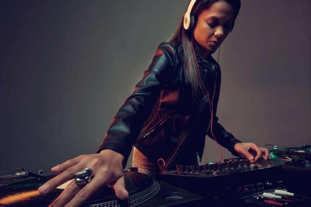 Long Beach DJ Entertainment  DJ Hustle