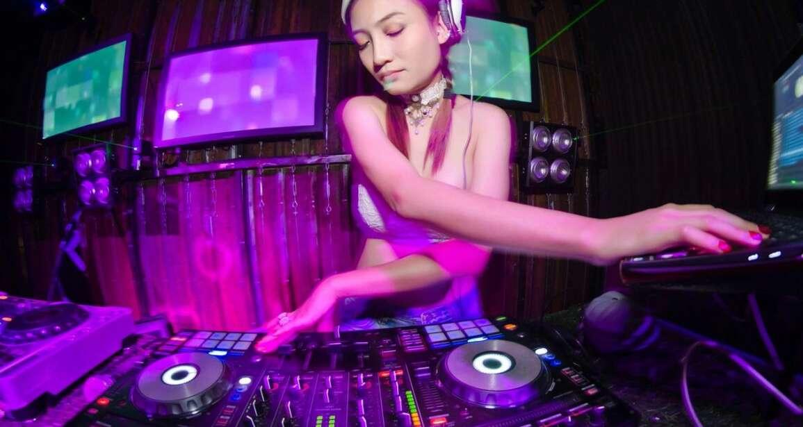 Newport Beach DJ Entertainment