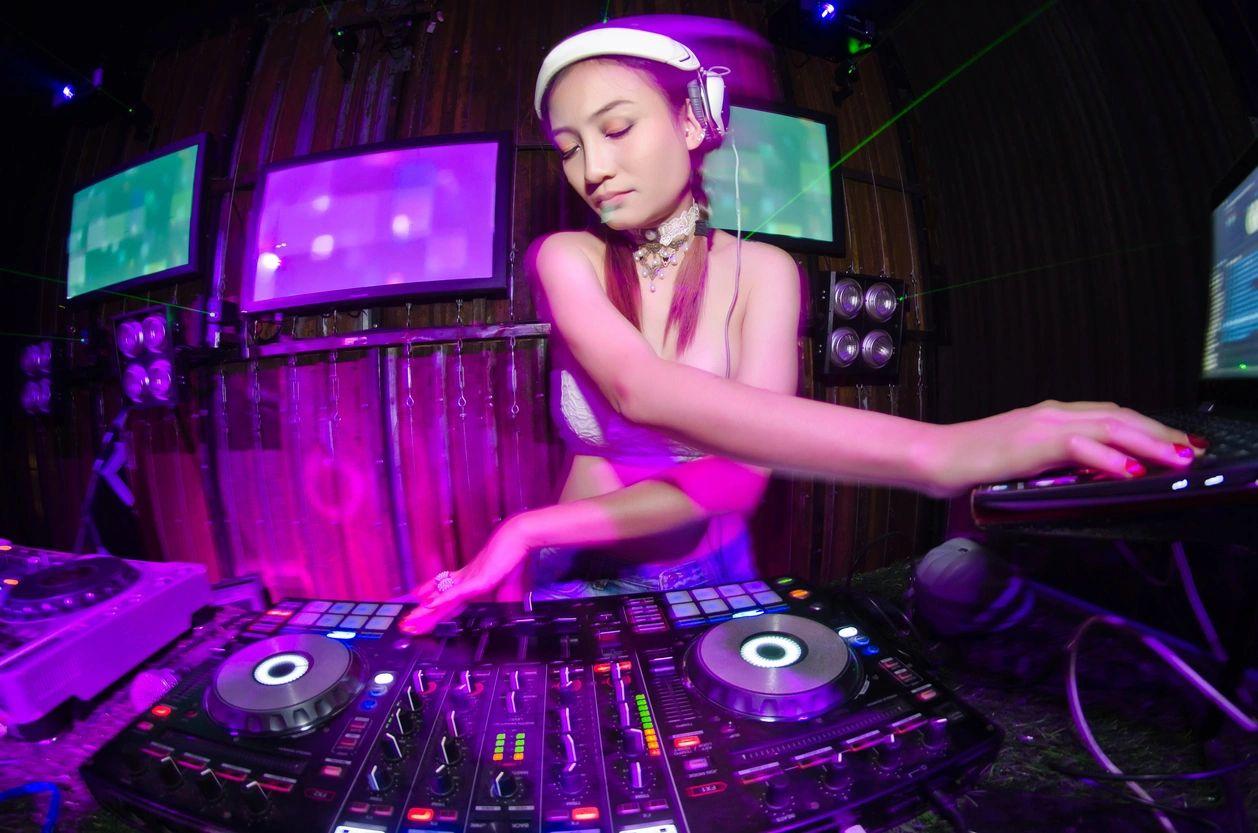 Newport Beach DJ Entertainment Hustle Events Entertainment DJ Service DJ Hustle HustleGrind.com