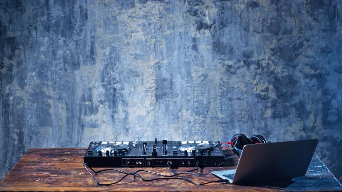 Questions To Ask When Hiring The Perfect DJ Newport Beach