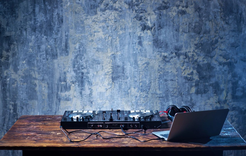 Questions To Ask When Hiring The Perfect DJ Newport Beach DJ Hustle