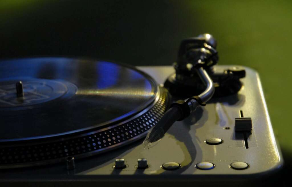 Things Your Wedding DJ Want You To Know Newport Beach Hustle events Entertainment DJ service