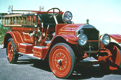 1916 Triple comb. Type 40 fire engine. Ex – Paxton, IL. Original chemical tank missing.