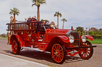 Triple 1922 comb. Type 75 fire engine. Ex – Edgerton, WI. Original Champion chemical tank replaced by ALF 80 gallon booster tank.