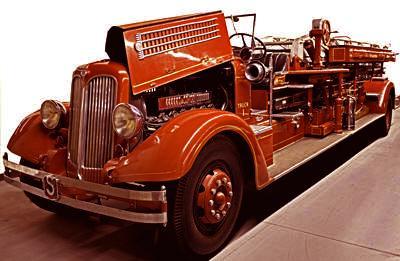 Junior aerial truck. ex – Staunton, VA.