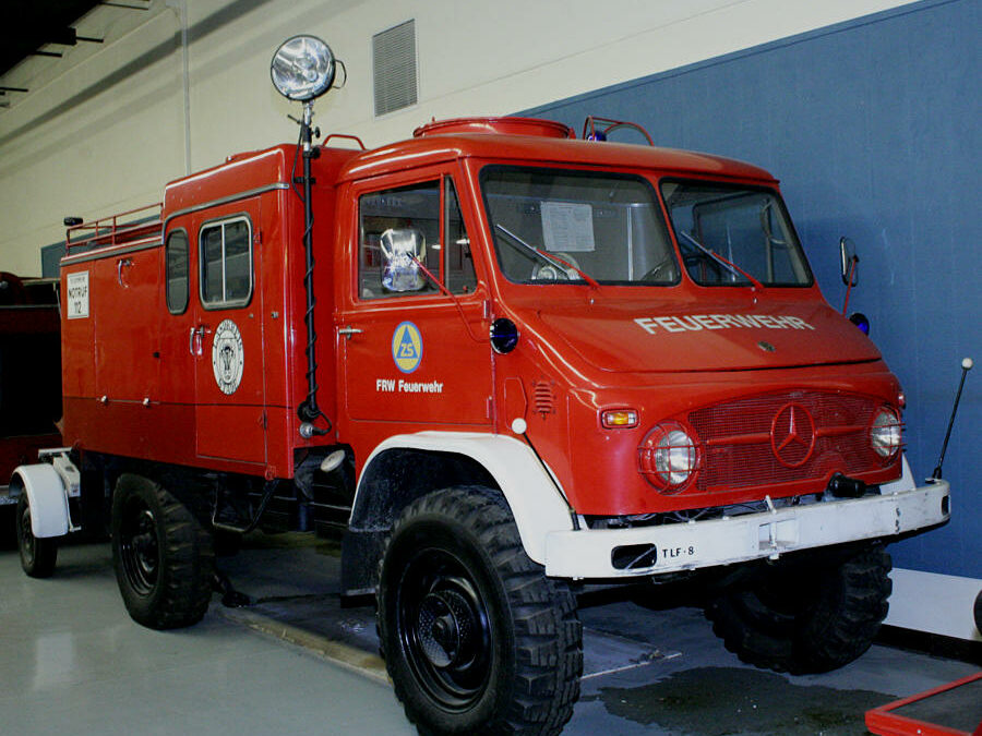 TLF-8 fire engine w/ foam trailer. Ex – Stade and Cuxhafen, Germany.