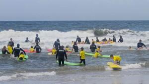 Surf_instructors_NY_skudinsurf