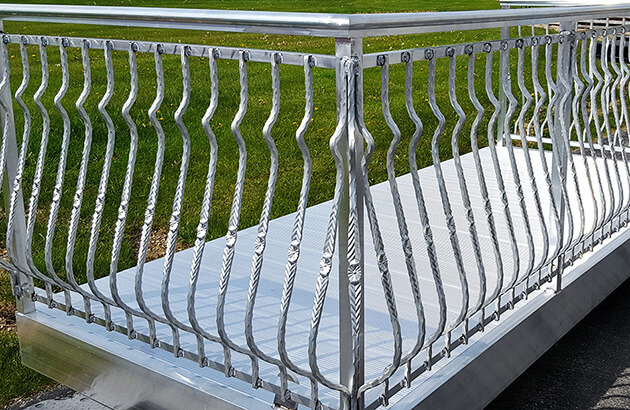 Belly Picket railing balcony