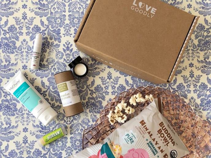LOVE GOODLY's debut FEB/MARCH eco-luxe beauty and wellness box is the perfect present to pamper & help them discover the highest quality products that are 100% toxin-free, cruelty-free, and stylishly vegan. PLUS: This one has heart! OVE GOODLY's Feb/Mar Box costs $29.95 with a retail value of over $85, and benefits Farm Sanctuary, America's leading farm animal protection organization. @lovegoodly.com