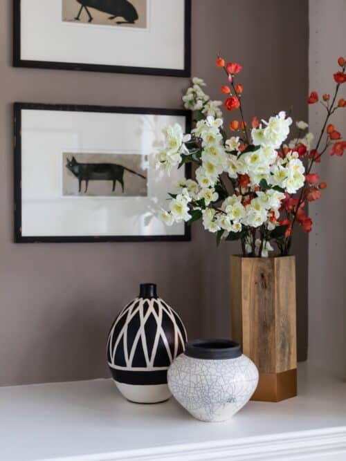 Built ins Décor Vases Florals Animal Art