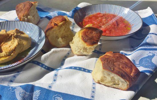 Kubaneh Bread – Yemeni Pull-Apart Rolls