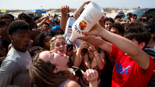 Miami Deports Thousands of Spring Breakers to America