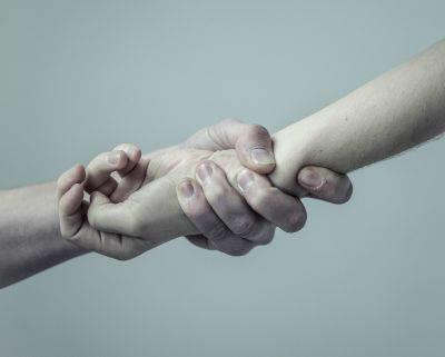 Devotional Poem: Light Hand or Tight Hand?