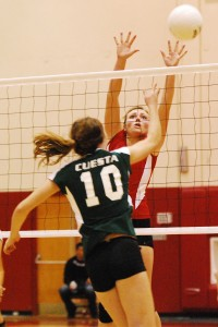 SBCC's Emilia Shugrue at the net for a block