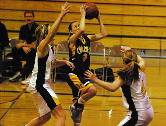 Dos Pueblos sophomore Chiara DiMarco goes in for a lay-up