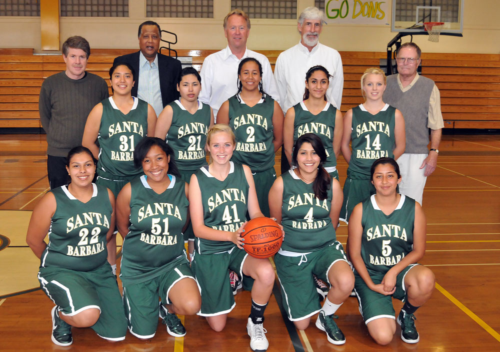 Dons Girls Baskebtall with Jamaal Wilkes