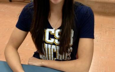 Kristen Berlo signs NLI