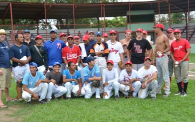 The Santa Ynez Heat baseball team