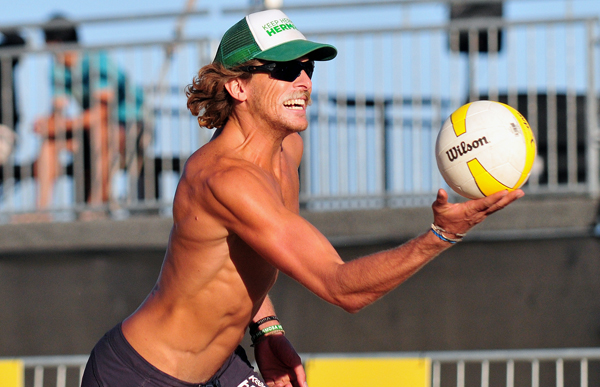 Jeremy Casebeer prepares to serve a ball during AVP qualifying tournament. Casebeer and partner Andy McGuire lost their last match and didn't advance to the main draw at the Santa Barbara Open.