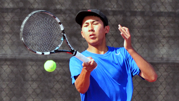 San Marcos' Kento Perera, the tournament's top seed, won two matches in straight sets on Monday.