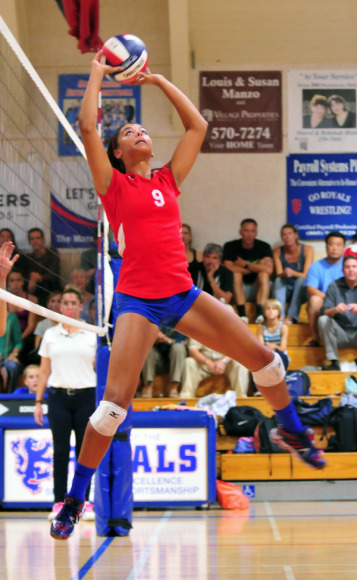 Gabi Peoples was the catalyst for San Marcos in its three-set sweep over rival Santa Barbara.