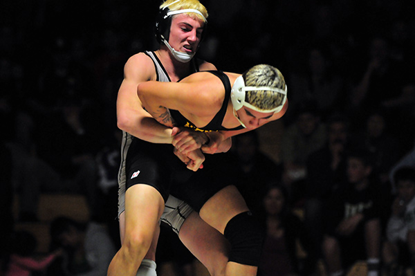 Cameron Cox of DP puts the squeeze on Ventura's Rudy Medina. Cox won the bout by pin. (Presidio Sports photo)