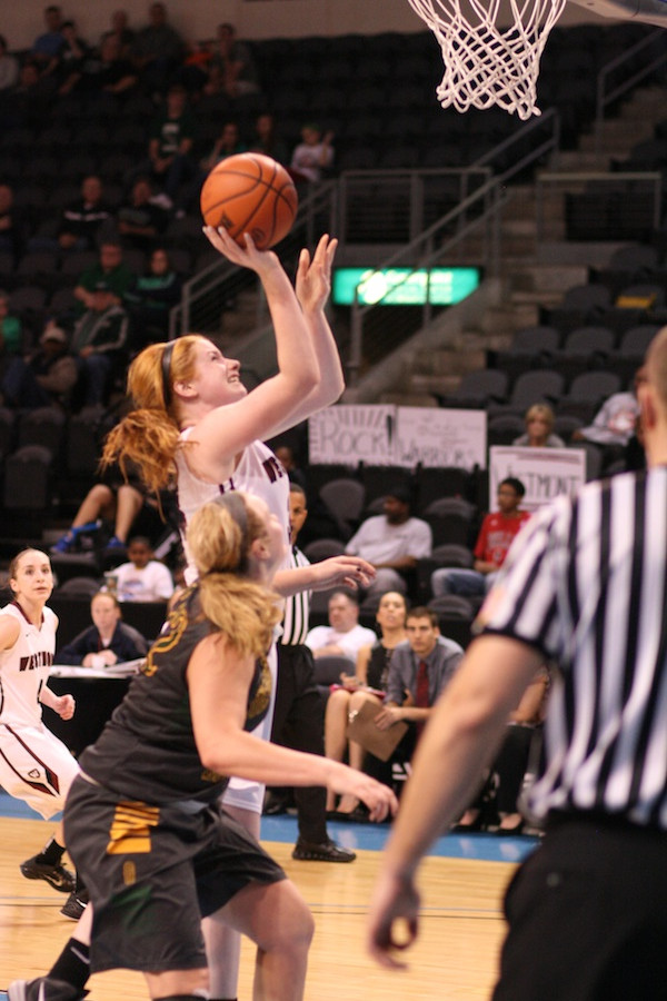 Lauren Sende followed her shot and scored just before the buzzer to send the game into overtime.