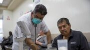 Recursos a equipos médicos en el país