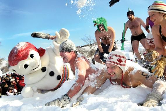 Carnaval de Québec - bain de neige