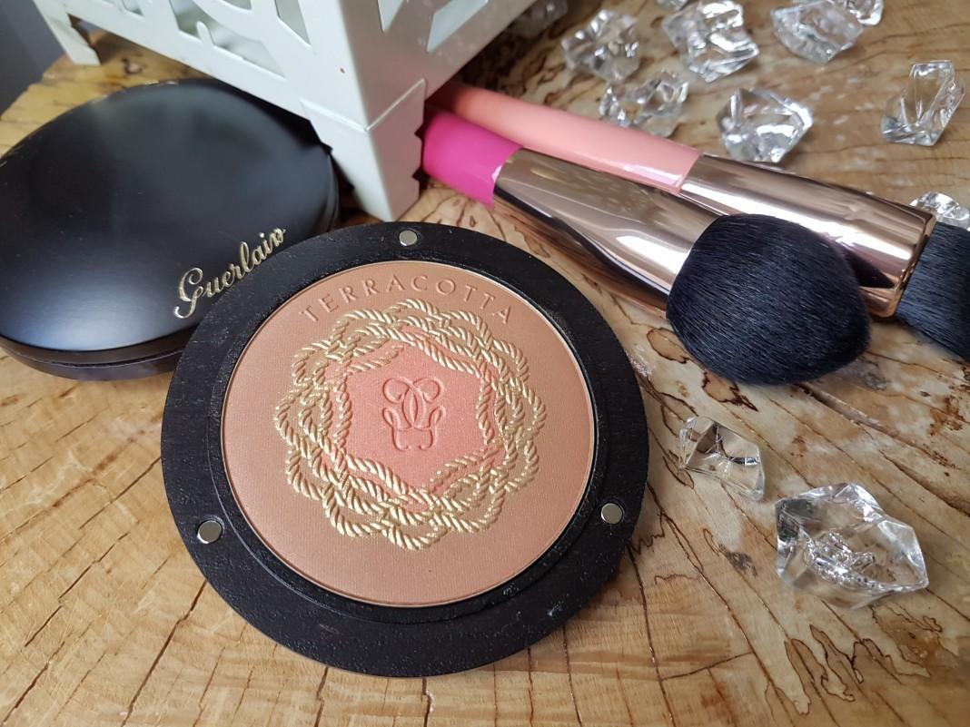 blush-bronzer-une