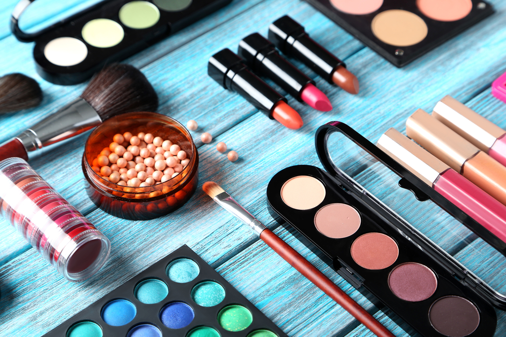 agence-thaly-maquillage-une