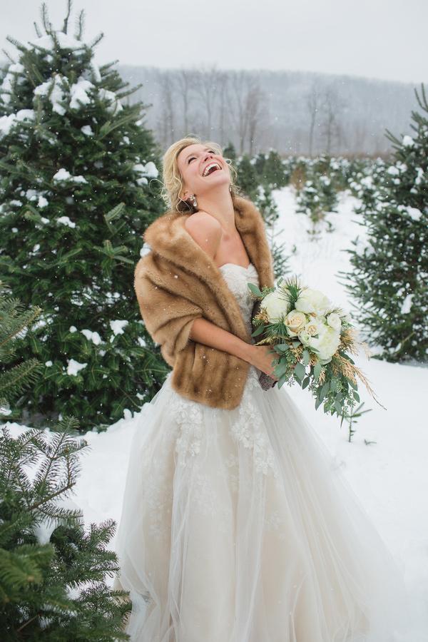 robe-mariage-hiver-fourrure
