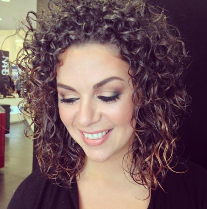 tendances-capillaires-cheveux-frises-naturels
