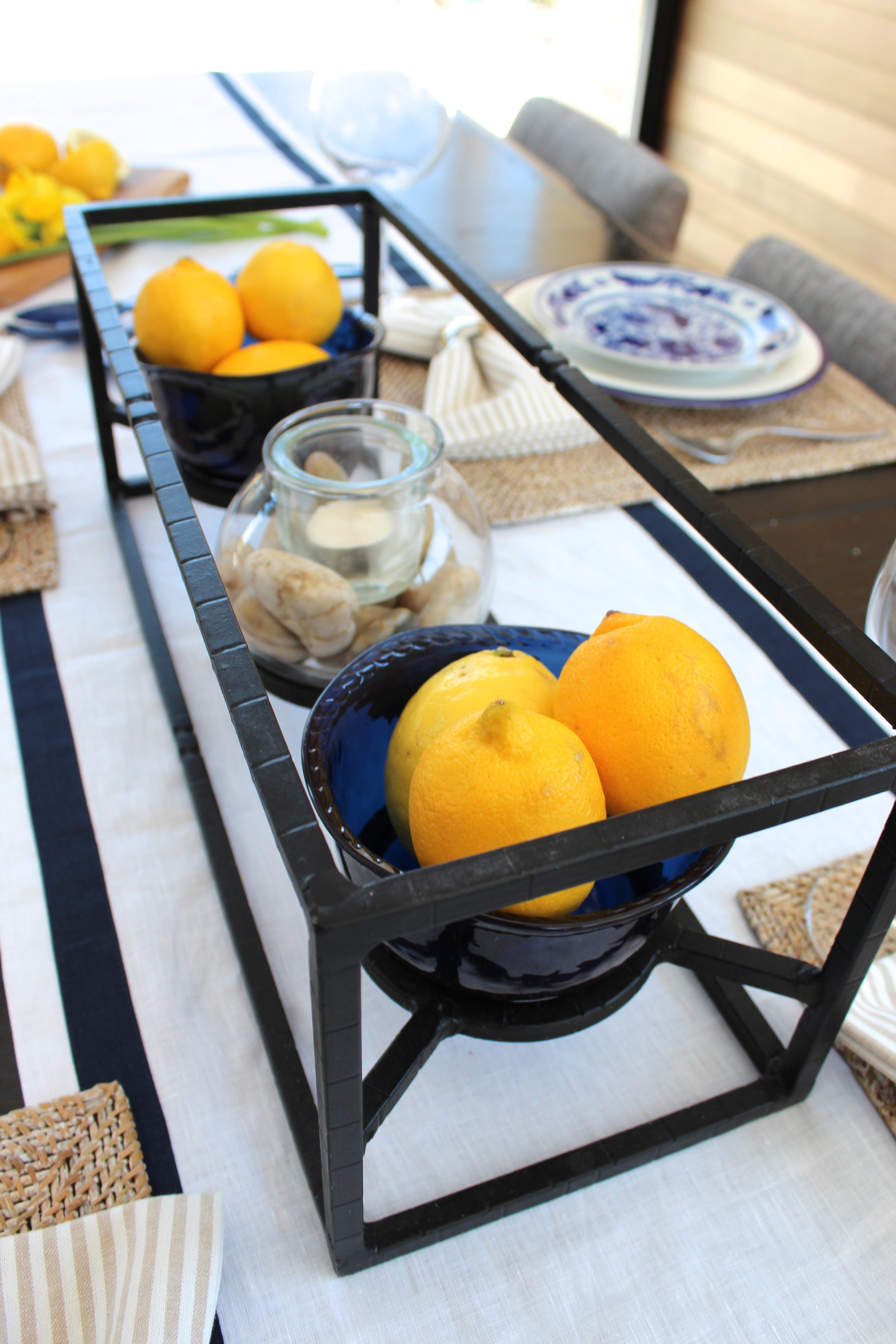 pottery-barn-bleu-blanc-centre table