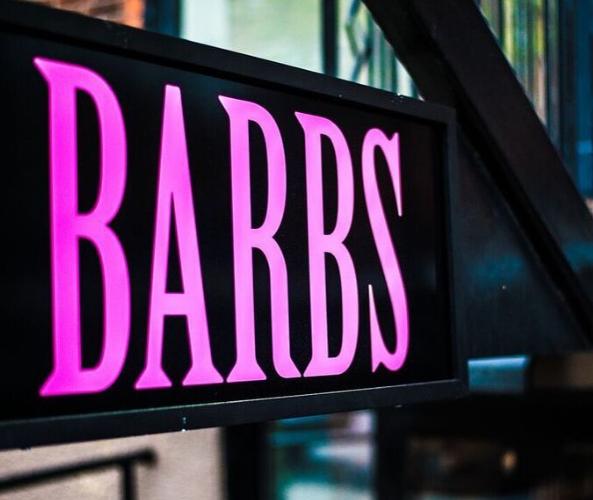 Barbs, enseigne extérieure