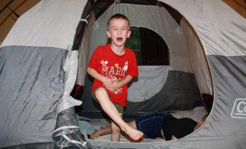 déteste le camping, enfant