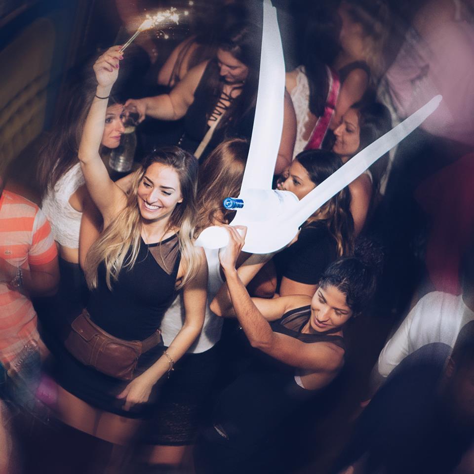 Bord'Elle, danser