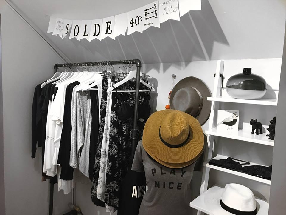Boutique vêtements, Local B