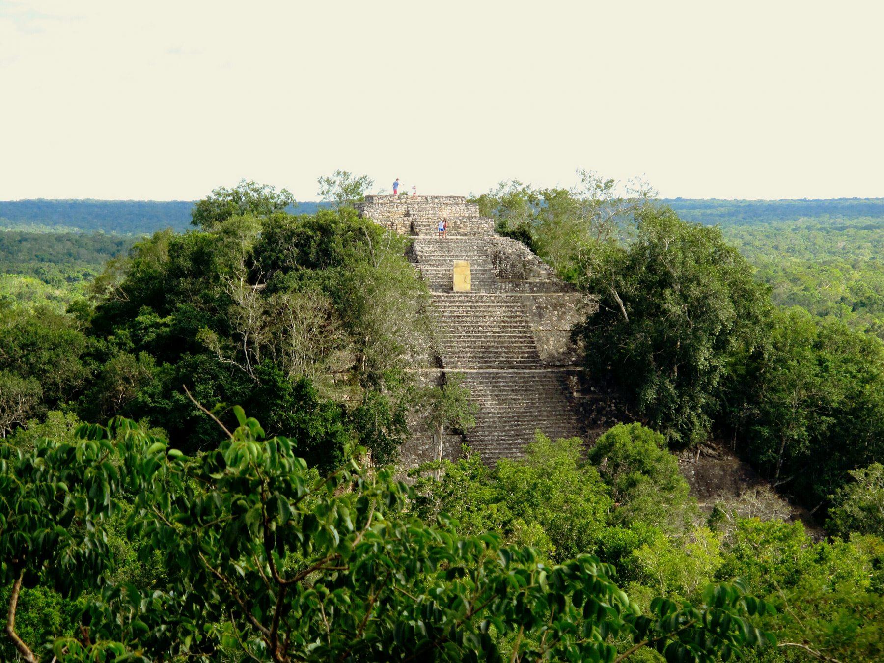 Une des structures du site de Calakmul dans l'état de Campeche