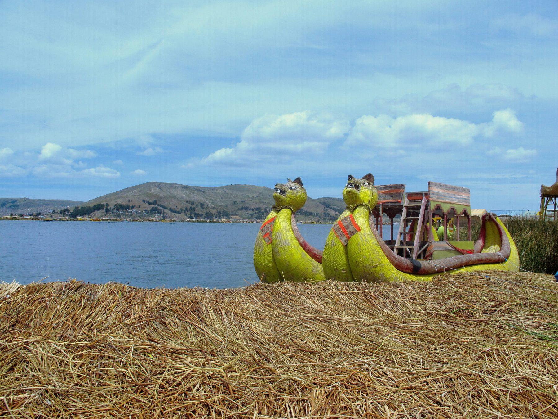 Uros sur le Lac Titicaca au Pérou