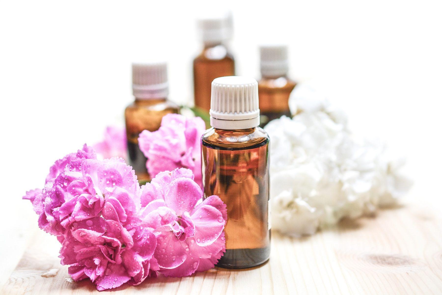 Eau de rose, produit naturel