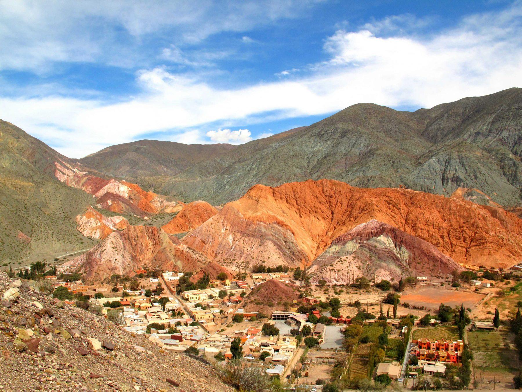 La montagne colorée de Pumamarca, nord de l'Argentine